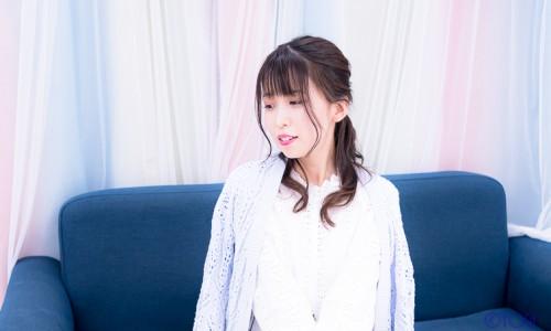 國井紫苑 私服ポートレート